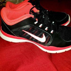Nike shoes size 7.5 womens